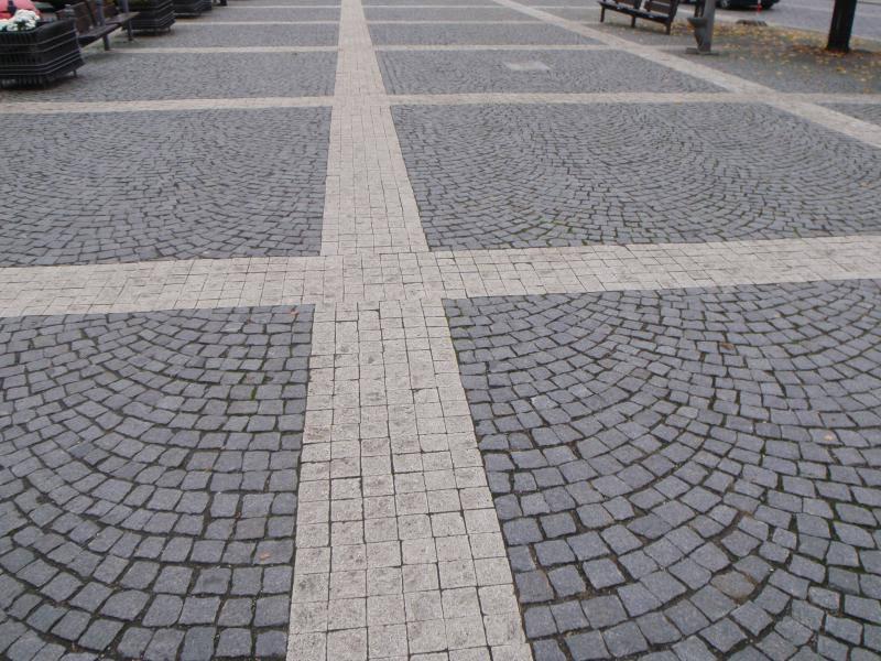 гранитная брусчатка или бетонная?